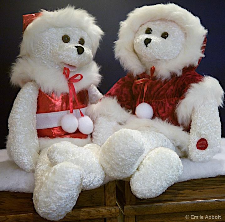 Singing Santa Baby Bears