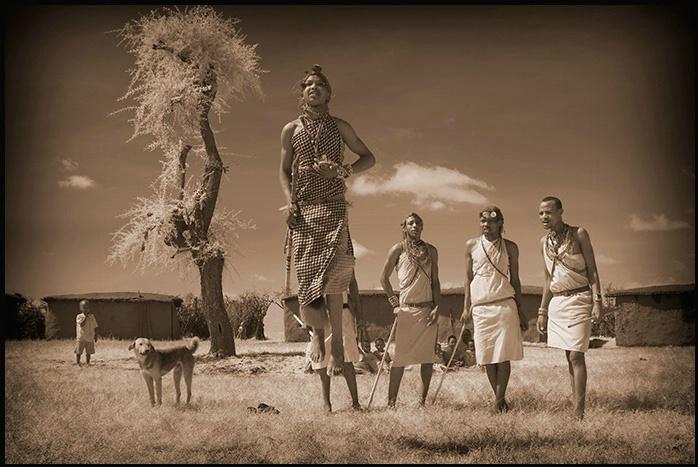 Masai Mara Kenya - Masai dancing
