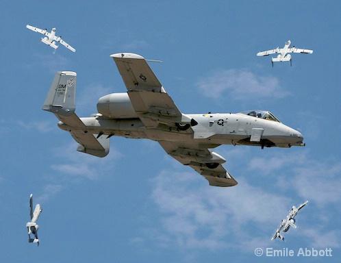A-10 DEMONSTRATION UPSIDE DOWN MANEUVER