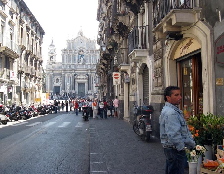 To Catania's Square