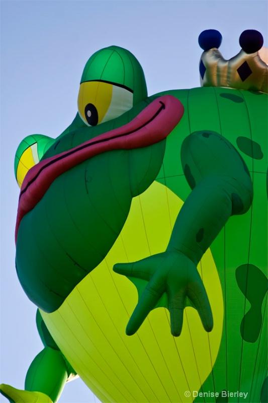 Frog Prince Balloon