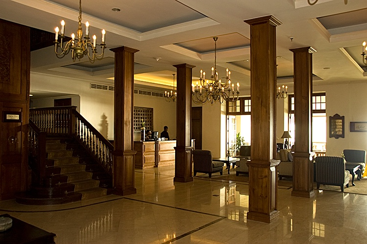 Foyer, Galle Face Hotel, Colombo