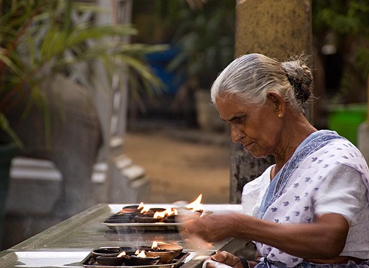 Worshipping, Colombo