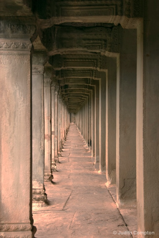 Angkor Wat corridor