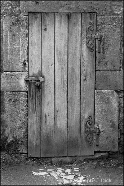 Old Gate bw