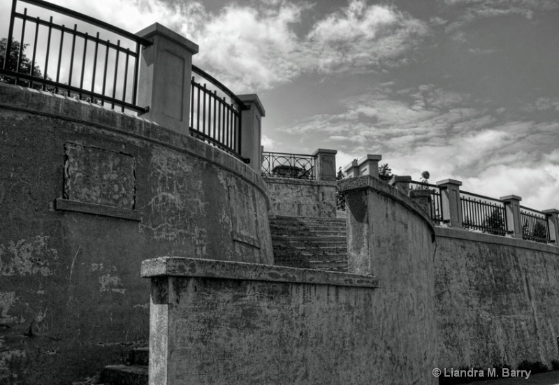Old Fort B&W