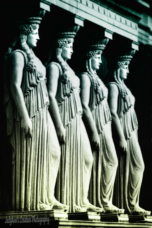 Goddesses Awaiting...