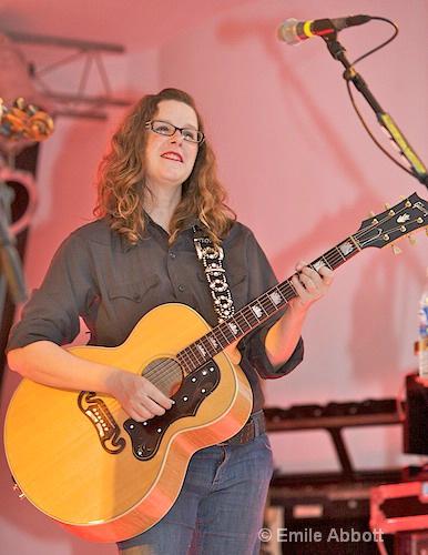 Elizabeth McQueen,  Vocals and Rhythm Guitar