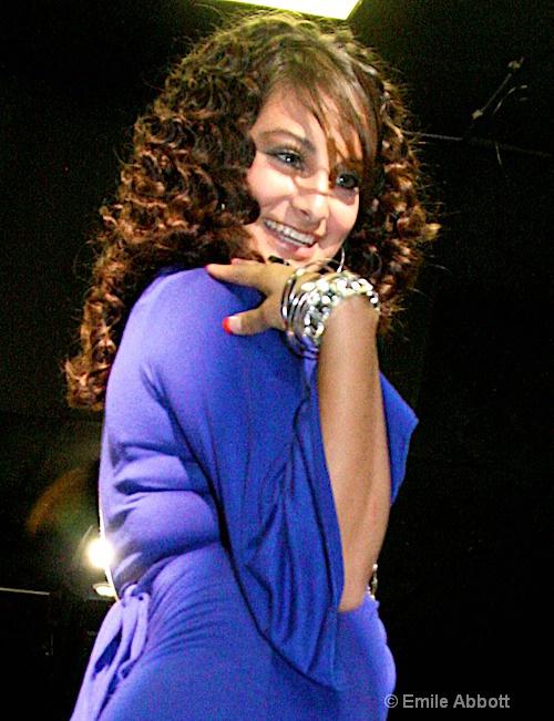 Material Girl (Roxanna Ramon)
