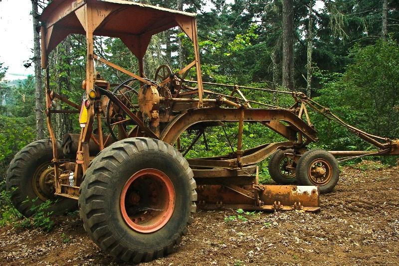 Cat Pull-behind Grader, Logging-Oregon