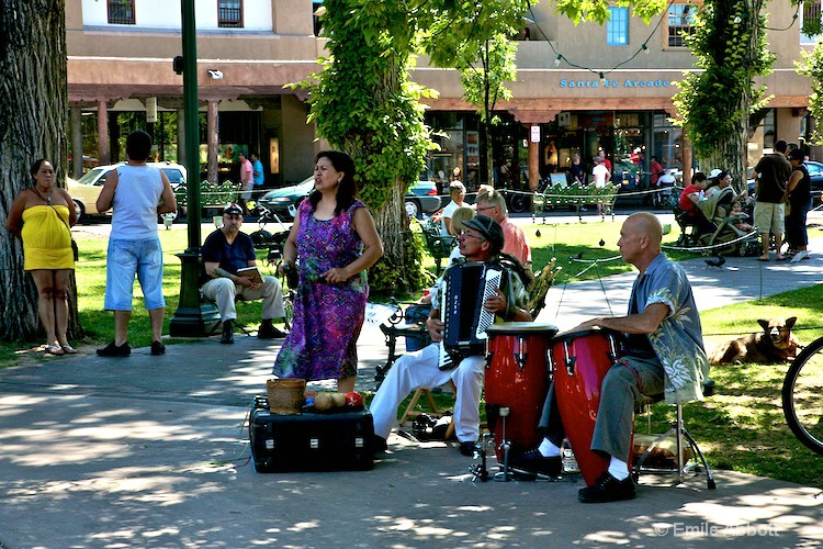 Entertainers in the Plaza