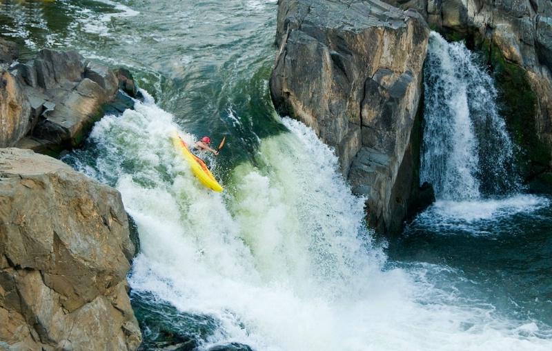 Kayaking the Falls- Potomac Falls Md