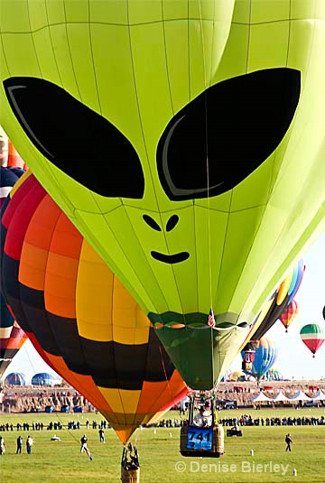 Alien balloon
