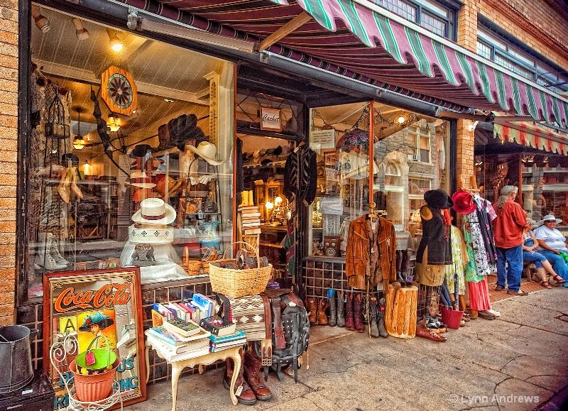 Bisbe Storefront