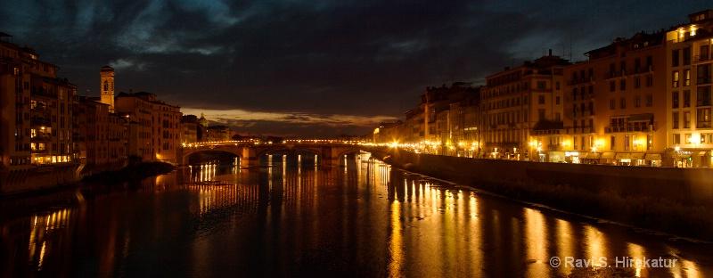 The bridge across the river Arno