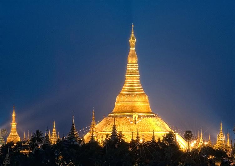 Shwedagon Pagoda, Rangoon (Yangon), Myanmar (Burma