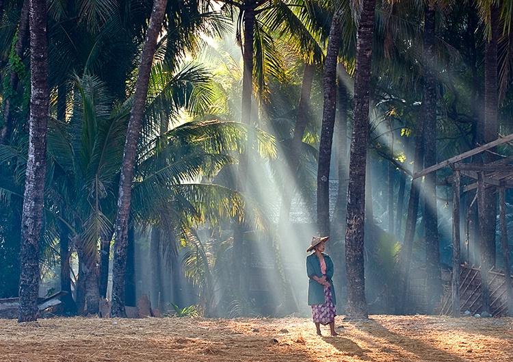 Sunrise Rays, Myanmar (Burma)