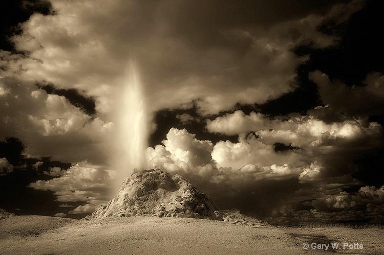 White Hat Geyser (Yellowstone NP)