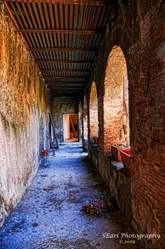 Pompeii@@In Need of Renovation