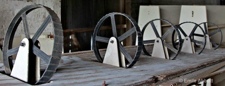 Receding wheels
