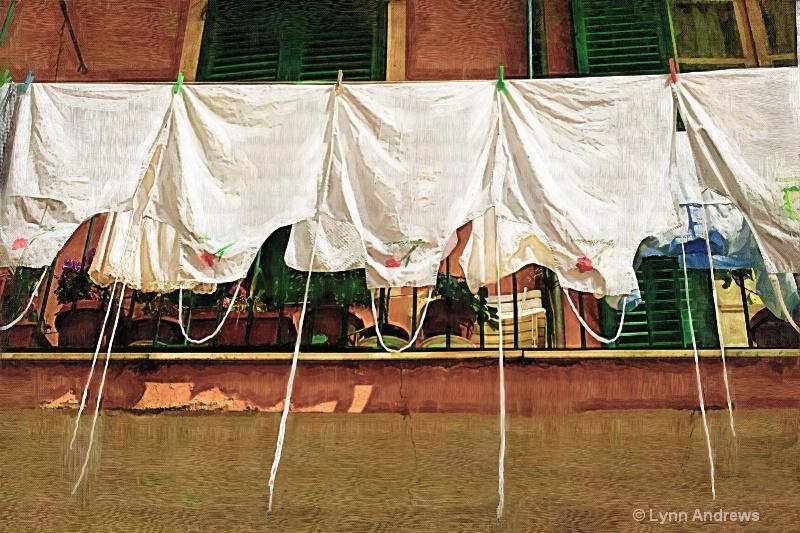 Laundry Day the Italian Way