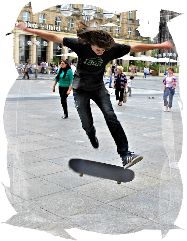 Skateboarding at the DOM Square, Cologne
