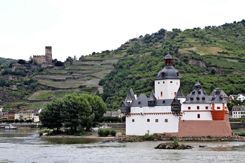 Pfalzgrafenstein and Gutenfels Castles