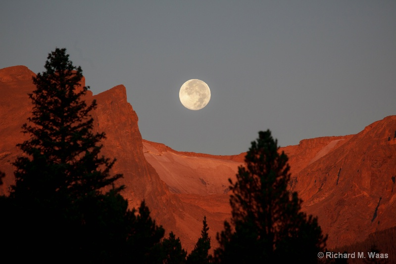 Setting Moon at Sprague Lake