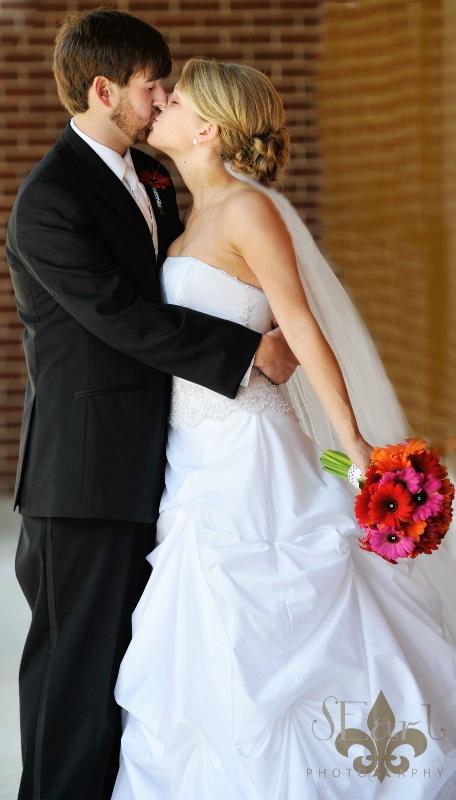 Foust Wedding@@Kissing