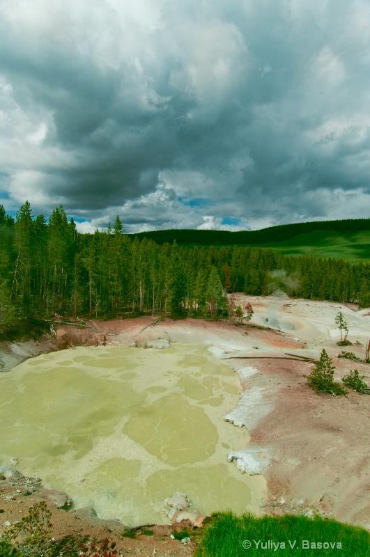 Sulfur Caldron Geyser Basin.