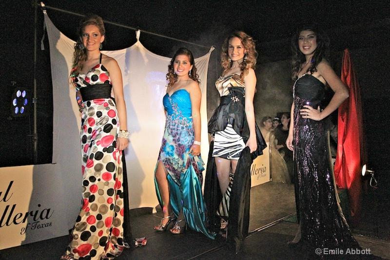 Erin, De Angel, Kalli & Destini