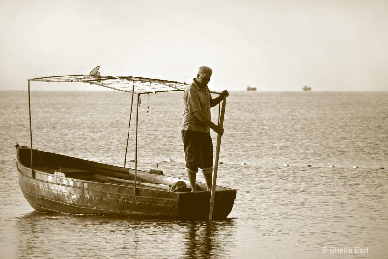 Fisherman@@Duotone