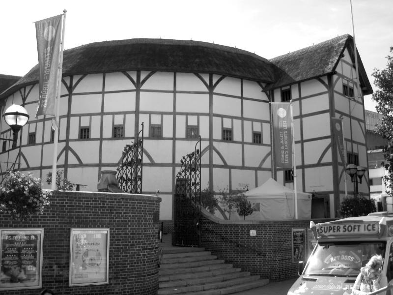 The Globe Theatre img 1624b w