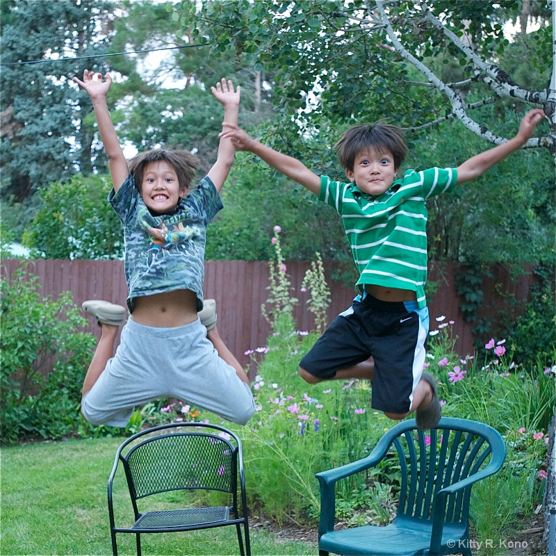 eoin and ricky jumping