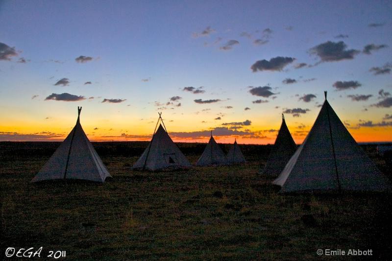 06 Ranch Cowboy Camp before dawn
