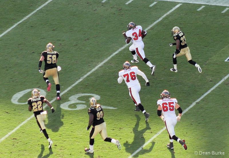 The Run -  Saint's vs Buc's - 10/16/2011