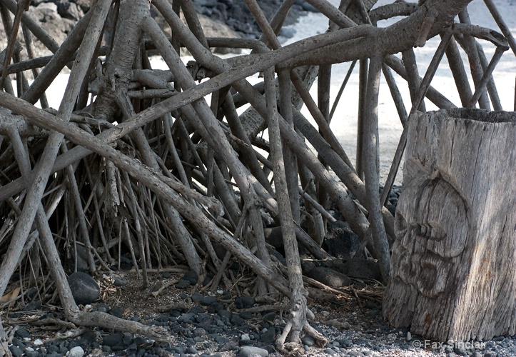 Honaunau - Roots and Ki'i