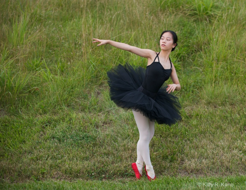 Yumiko in Red Pointe Shoes
