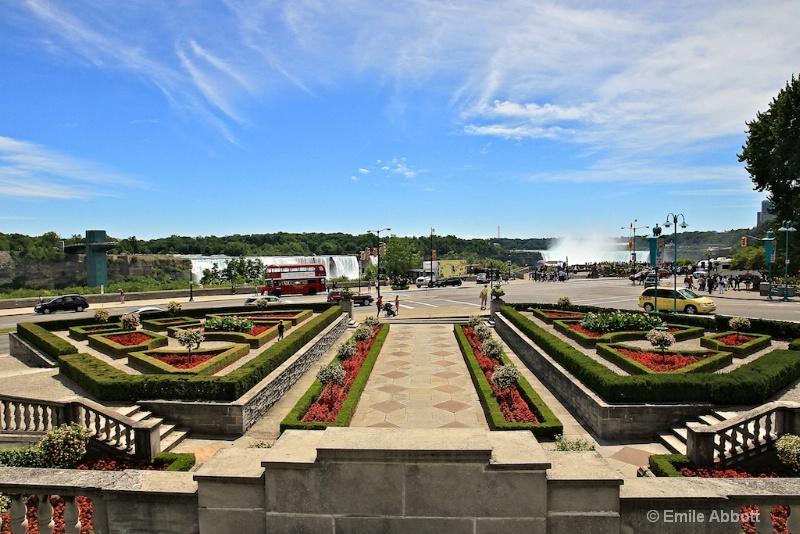 The gardens at Niagara Falls
