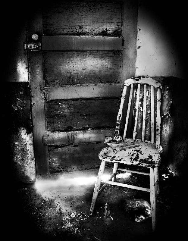 The Light Behind The Door-1