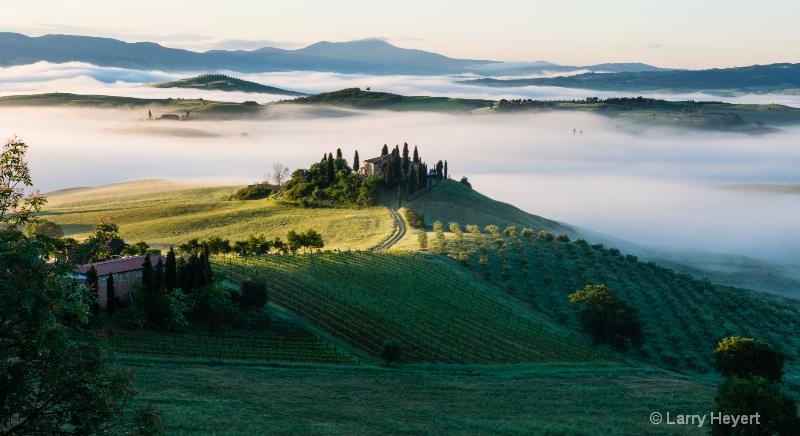 Sunrise outside of Pienza, Italy