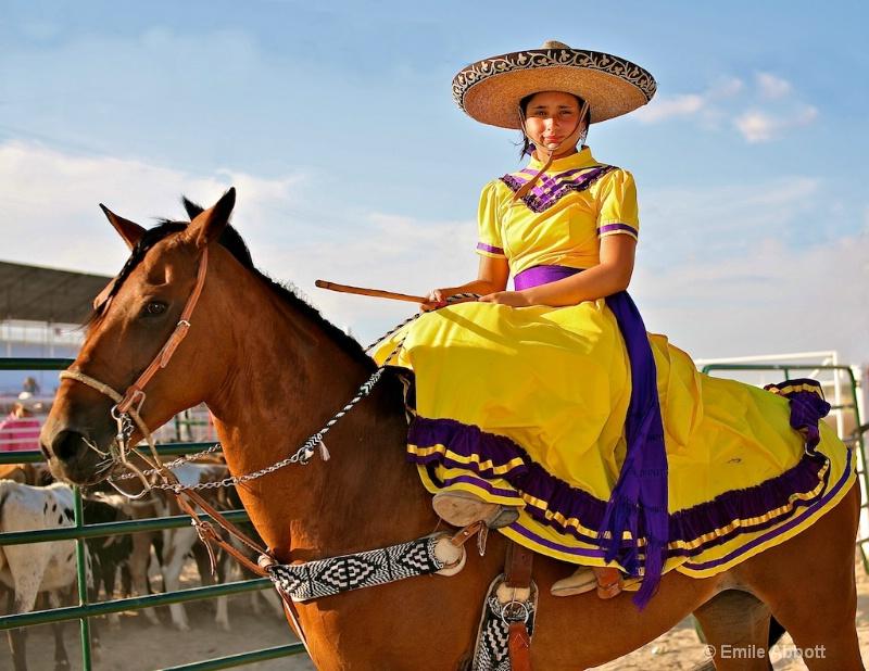 Young Side saddle Escaramuza Primavira