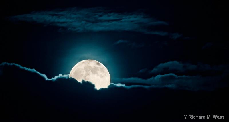 """Blue Moon"""