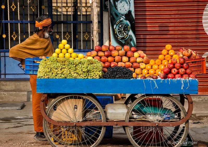 Sadhu and Fruit Cart, Tiruvannamalai, India