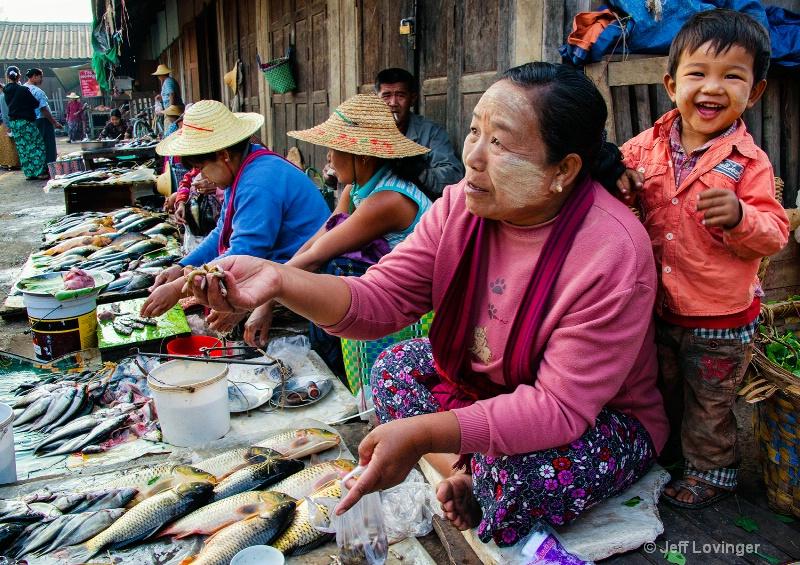 Market Fish Monger, Nyaungshwe, Inle Lake, Myanmar