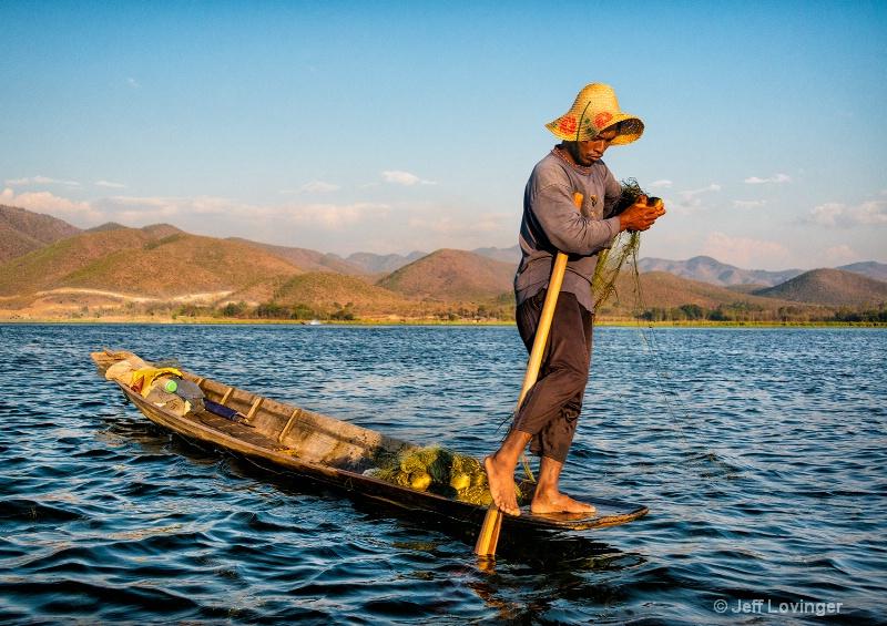 Leg Rower Fishing, Inle Lake, Myanmar