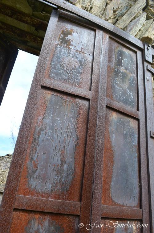 Cavanero Store Door 2