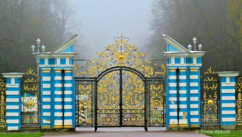 Entrance Gate to Catherine's Palace