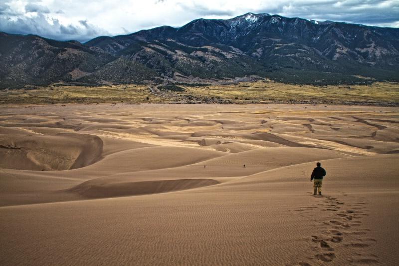 Sand Land Man and Stone  8586