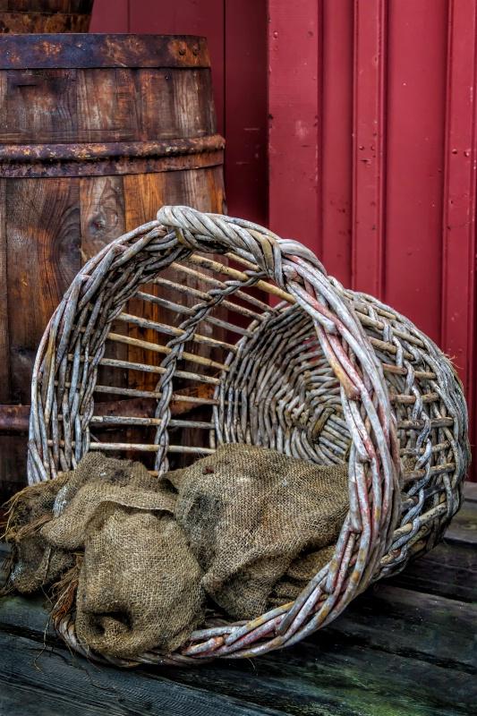 Barrel Bag Basket